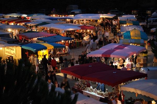 Visita los mercados locales
